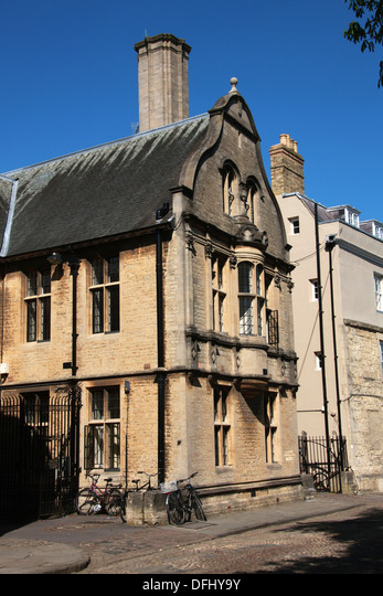 Blavatnik School of Government,  University of Oxford,  Merton Street,  Oxford,  Oxfordshire,  UK.
