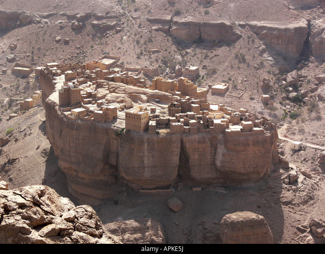 Hajjaryn rock fortress ,  Yemen,  Hadramaut,  Al Hajjaryn